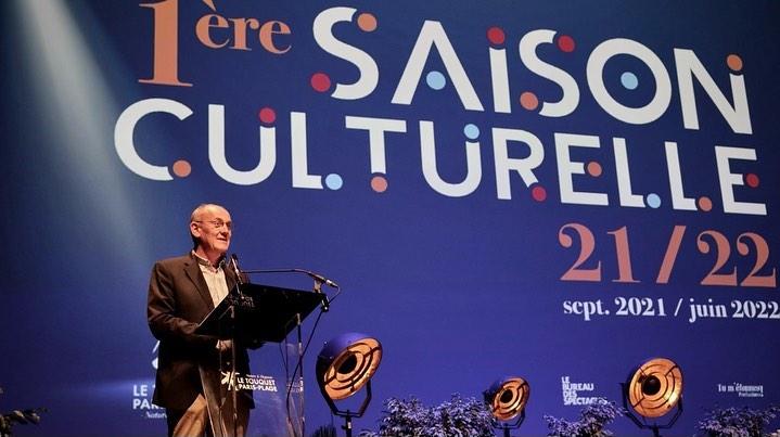 Le maire Daniel Fasquelle annonçant la première Saison culturelle du Palais des